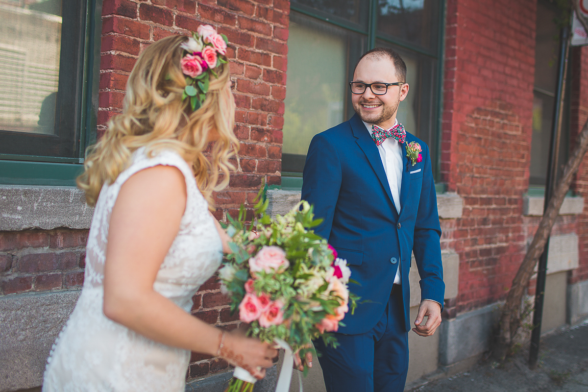 mariage-soupesoup-montreal-photographe-wedding-boheme_first_look_15